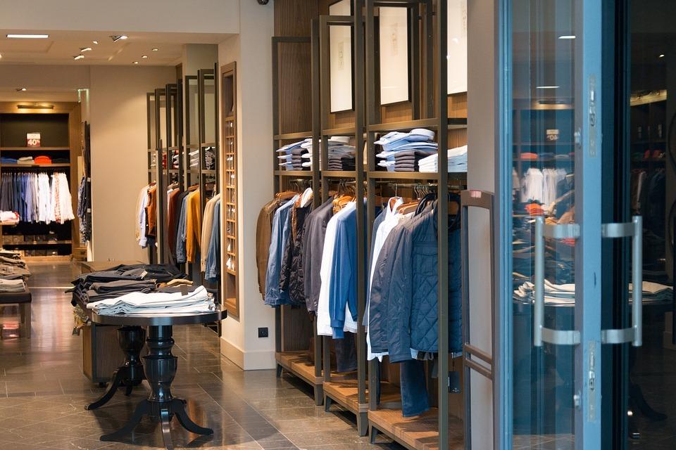 Come arredare un negozio di abbigliamento nel modo giusto